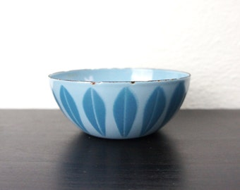 "Vintage Cathrineholm Lotus Bowl Turquoise Blue on French Blue 4"" Enameled Steel, Tiny Nut Snack Serving Bowl Grete Prytz Kittelson 180081"
