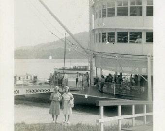 "Vintage Photo ""The Coney Island Travelers"" Snapshot Antique Photo Old Black & White Photograph Found Paper Ephemera Vernacular - 132"