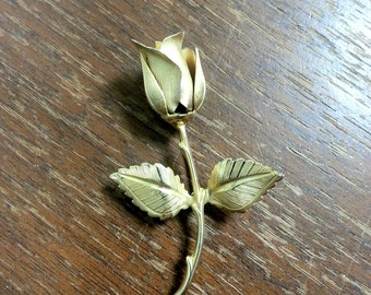 VINTAGE 1966 Giovanni Legend of the Christmas Rose Gold Brooch Pin Longcraft Petal Leaves Stem Thorn SIGNED Flower Costume Jewelry Gift