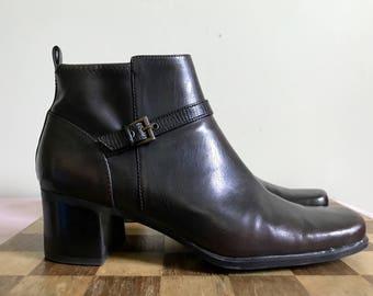 1990s dark brown vegan leather Liz ankle booties US 8 / UK 6 / EUR 38.5