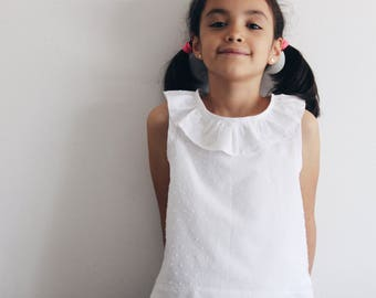 Summer ruffled top for girls, 100% cotton. Made in Italy. Petal topper bymamma190. Sizes from 4 to 9 years.