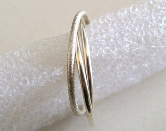 Bridesmaids Gift. Fine Jewelry. Skinny rolling Ring. Sterling Silver Trinity Ring. Handmade By Amallias