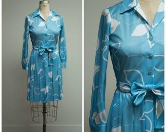 Vintage 1970s Dress • Blue Skies • Blue White Printed 70s Shirtwaist Day Dress Size Medium