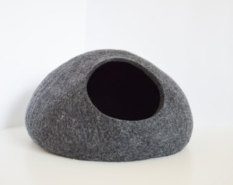 Pet bed / Cat bed / Cat cave / puppy bed / cat house / pet furniture / cat nap cocoon. Felted eco-friendly cat bed XS, S, M, L or XL sizes