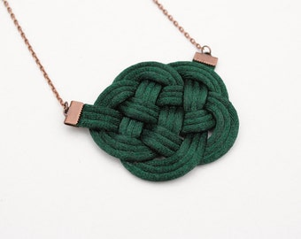 Emerald necklace, knot necklace, dark green necklace, nautical necklace, rope jewelry, green and copper necklace, spring trends, gift idea