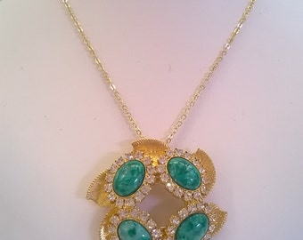 Rhinestone and Green Cabachon Pendant Necklace - Goldtone Leaves in Circle Set with RS and Four Cabs - 16 Inch Goldtone Chain with Extender