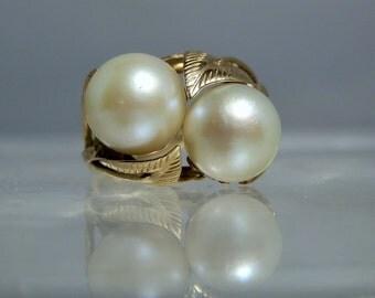 Vintage Ming's Honolulu Hawaii Size 5 Two Akoya 8.8 mm Pearls 14K Yellow Gold Ring 585 Gold Rare Jewelry DanPickedMinerals