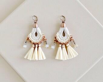 White Tassel Earrings, Wedding Earring, White Chandeliers, Raffia Earrings, Crochet Earring, Statement Earrings, Wedding Jewelry, Boho Style