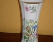 Anysley/WILD TUDOR VASE/Chipped/Vintage/Bone China/England/Summer Flowers