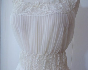 50's Sheer White Gown Crystal Pleat Lace Nightgown Goddess Nylon Nightie Slip 38 L