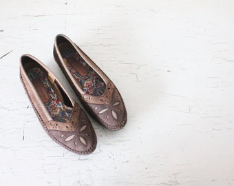 Vintage Leather Moccasins / 9