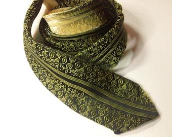 Vintage Mid Century Beau Brummel Ornate Menswear Gold & Black Skinny Necktie ~ Men's Retro Hipster Fashion Accessory