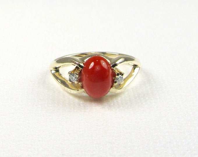 Yellow Gold Coral and Diamond Ring, Coral Ring, Estate Coral and Diamond Ring, Estate Ring, 14 Karat Yellow Gold Coral Ring