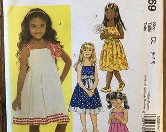 UNCUT Girl's, Toddler's Dress Sewing Pattern McCall's 5569 Size 6-7-8 Summer, Easy, School Clothes, East Dress, Spring