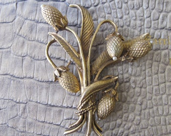 Pastelli Thistle Flower Brooch Pin in Gold-tone. Designer Signed Costume Jewelry. Botanical Jewelry. Floral Corsage Bouquet Brooch. PASTELLI