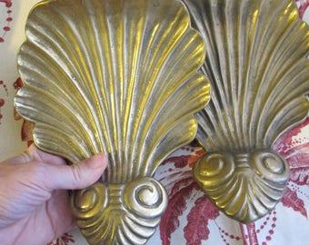 Solid Brass Metal Shelf Brackets. Shell & Swirl Motif. 7 IN x 6 IN Brass Shell Brackets Finials, Home Decor. Set of 2. Vintage 1970's 1980's