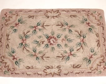 Vintage Wool & Cotton Floral Hooked Rug, 1940s Hooked Rug, Shabby Chic Rug, Cottage Style
