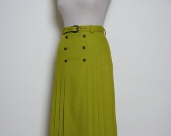 green vintage skirt | midi skirt | khaki pleated skirt | vintage 70s skirt | made in england