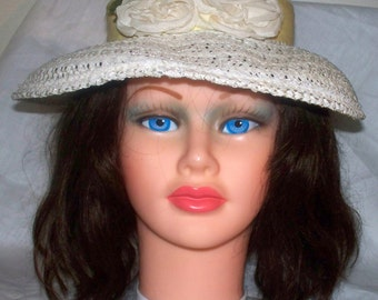 Vintage White Floral Hat  - Good Condition - Unmarked - Yellow Grosgrain Band