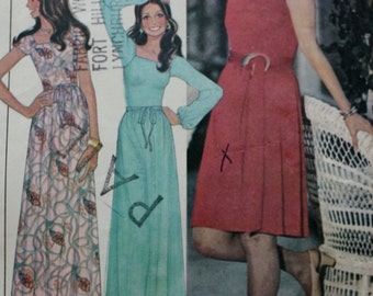 1970s Dress Sewing Pattern /Marlo Thomas/ McCalls 4388 / Bust 32.5/Stretchable Knits