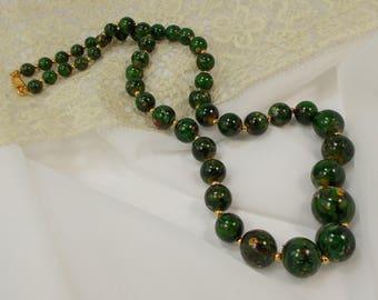 Retro Classic Graduated Dark Forest Green Bead Necklace  1192