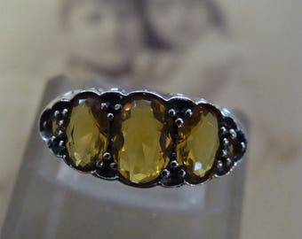 Lovely Sterling Silver Golden Citrine Ring  Size 6.5 Victorian style