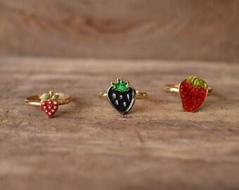 Strawberry Rings - Kawaii fruit rings - cute strawberry ring, Black Strawberry ring, Strawberry jewelry, fruit jewelry, vintage strawberries