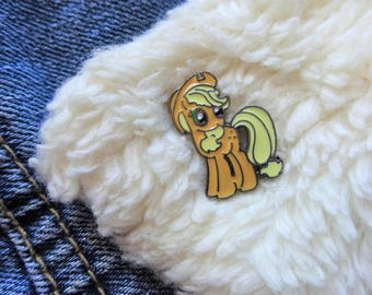 Applejack My Little Pony Kitsch MLP Rainbow Kawaii Pastel Cute Pink Retro Pin Badge