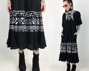 Vintage Black & White Tent Dress Tunic Medium - Boho Hipster Muu Muu Minimalist Maternity Sundress - Natural Fiber Vintage Midi With Pockets