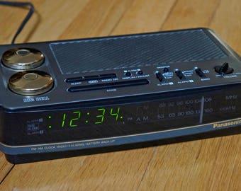 """Panasonic """"Big Bell"""" RC-6180 Digital Alarm Clock Radio"""