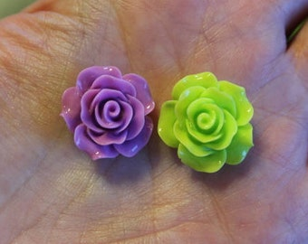 8 resin cabochons roses, 18-20 mm x 9 mm, 2 pairs violet and 2 pairs lime green roses, flat back