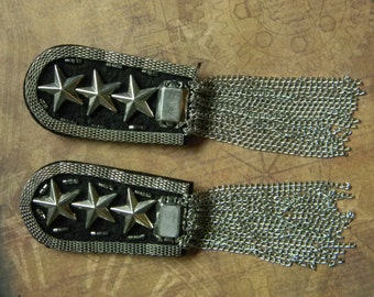 Fun Archaic Military Style Steampunk Costume Shoulder Epaulettes - Silver Tone Finish. Cool Steampunk Cosplay Parts Accessories - Set of Two