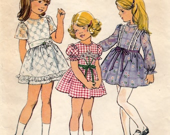 Simplicity 6819 Sewing Pattern, Girl's Dress, Gathered Skirt and Sleeve Variations, Girl's Size 6, Used Vintage