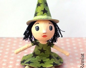 Mini doll Green Witch with stars