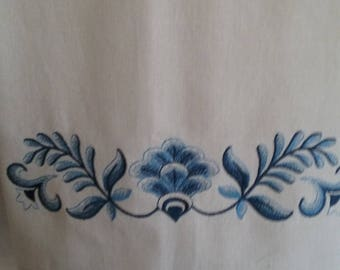 100% Cotton Embroidered Dish Towel Delft Blue/Cream