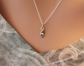 Sterling Silver One Pea in a Pod Charm Necklace, One Pea in a Pod Necklace, Pea in a Pod Necklace, Pea in a Pod Charm Necklace, Pea Necklace