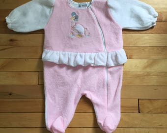 Vintage 1980s Baby Infant Girls Pink Fleece Beatrix Potter Jemima Puddleduck Ruffle Sleeper Outfit! Size 6 months