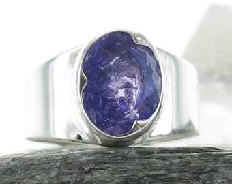 Silver ring with Tanzanite. Size 7.5. Gemstone Ring. Tanzanite faceted stone. Engagment ring. Tanzanite gemstone. Ring size O 1/2. ApsarasV