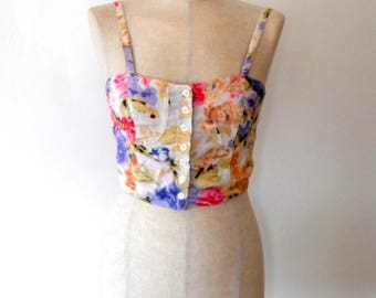 Floral cropped top / white / pastel / pink / cream / purple / rose print / vintage / retro / 80s / button up / elastic / pretty / summer top