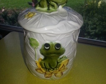 """Vintage 1977 Sears and Roebuck Japan """"Neil The Frog"""" Small Sugar Bowl with Lid"""
