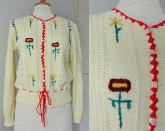 Lovely Ivory 40s Like Vintage Cardigan With Embroidered Flowers // SL