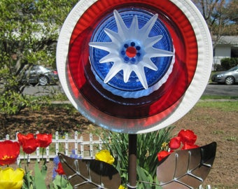 plate flower, glass flower, garden art, yard art, garden art,handmade, patriotic flower,Stars & Stripes,upcycled, repurposed glass art