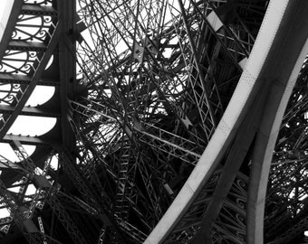 Eiffel Tower Decor / Eiffel Tower Print - Black and White Prints / Black and White Photography - Gift for Couple - Paris Photography