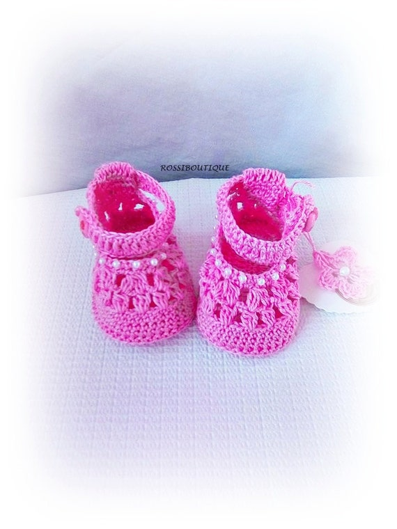 582396845040d Pink crochet baby shoes Crochet baby boots Pink baby shoes | Crochet ...
