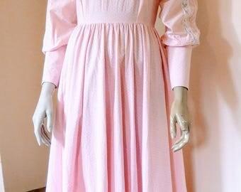 Laura Ashley, Vintage 1970s, Pale Pink & White, Floral, Prairie, Maxi Dress, Size UK 14