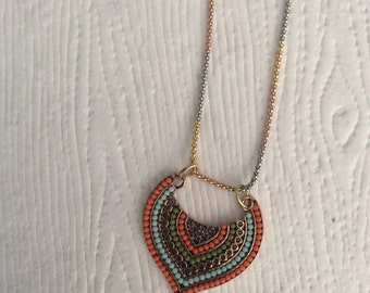 Tri colored silver chain with pendant