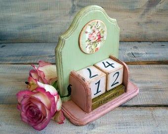 2017 Calendar Wood Block Perpetual Calendar  Desk Calendar Roses Pastel Pink Green Spring