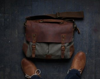 Custom Men's Leather Laptop Messenger Bag