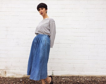 1990's Lightwash Denim Circle Skirt with Funky Pockets and Elastic Waist