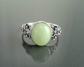 NATURAL Jade Ring, Sterling Silver, NOT-DYED Green Jade Gemstone Jewelry, Dainty Small ring, Comfortable Vintage Style Ring, Oval Stone Ring